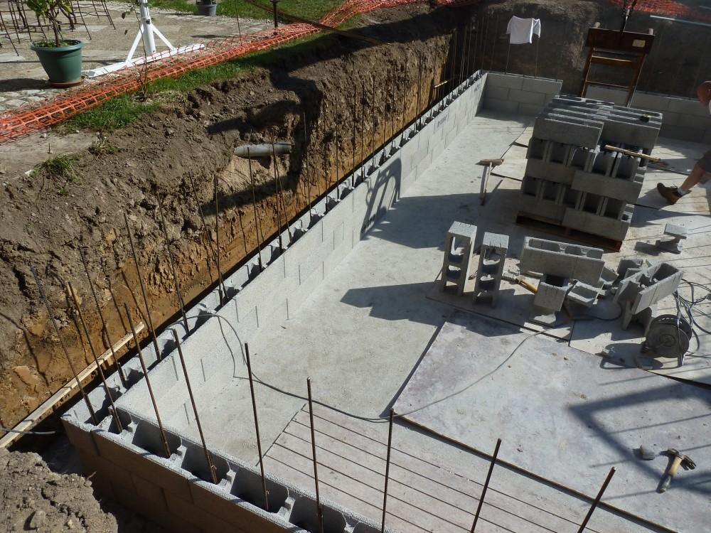 Piscines b ton loic piscines et spas for Construction piscine bloc a bancher